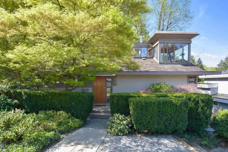 House For Sale 5831 Buckingham