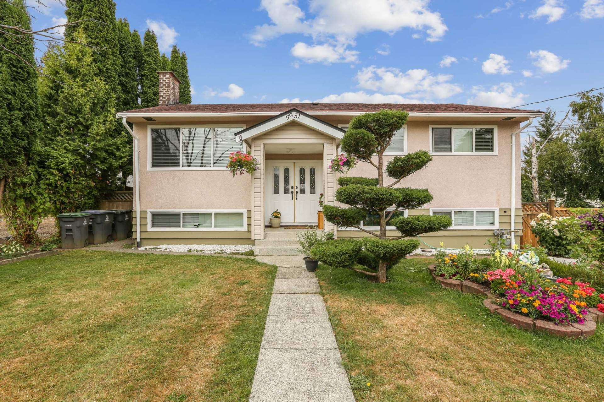 Cedar Hills House for sale at 9951 124A St