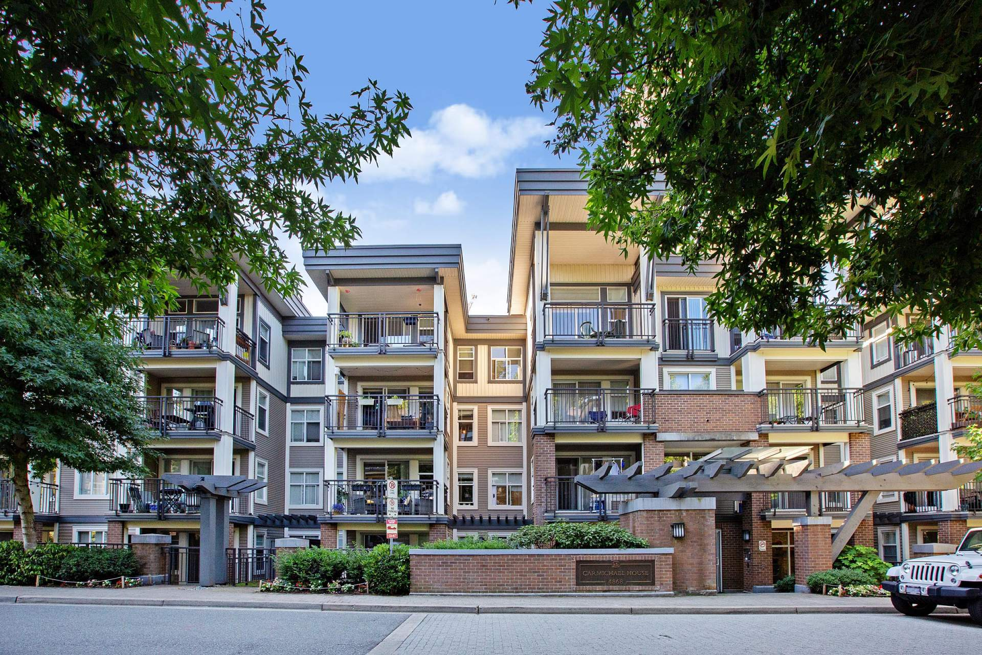 Brentwood Gate Condo for Sale