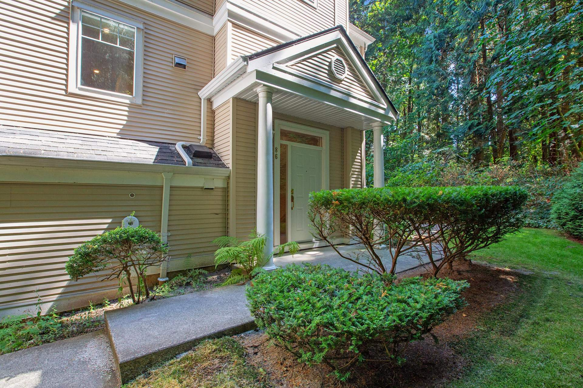 Crest townhouse for Sale
